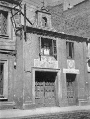 Antiga parròquia i escola al C/Constitució,52