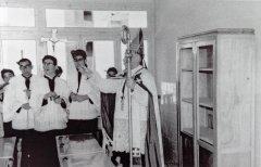 Benedicció de l'escola l'any 1957